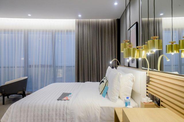 منتجع وسبا لو رويال ميريديان بيتش دبي واحد من منتجعات دبي على البحر التي وفرت غرف نوم عصرية منمقة وفسيحة
