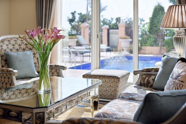 يُعد كمبنكسي أفضل منتجع في دبي مع مسبح خاص