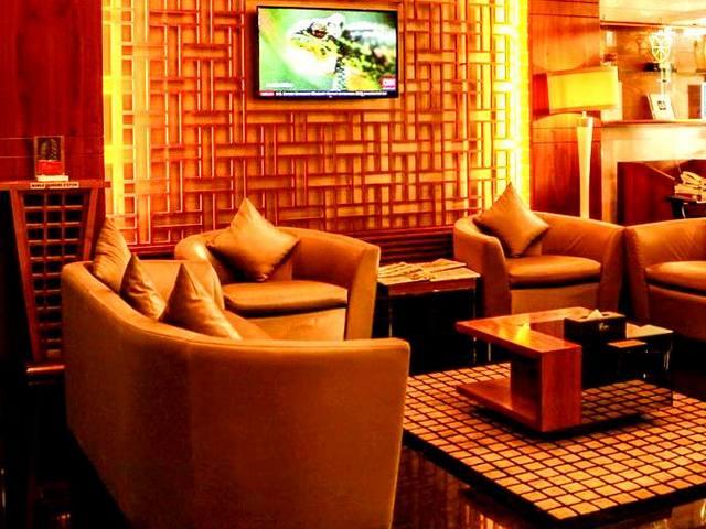 يتمتّع فندق ديونز للشقق الفندقية عود ميثاء بالعديد من المرافق والجلسات الهادئة