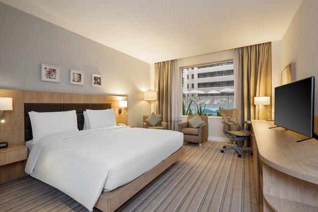 فندق امارات مول هيلتون جاردن ان دبي مول الامارات من افضل فنادق دبي مول الامارات
