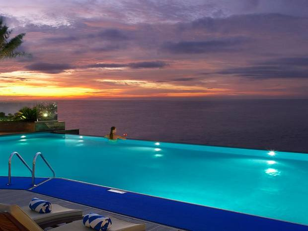 يمتلك فندق الحبتور جراند جي بي ار مسبح رائع لا مُتناهي
