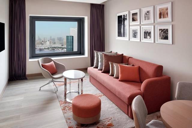 يُعد هوليدي ان فيستفال دبي افضل الفنادق لكونه يضم العديد من المرافق والخدمات والمطاعم التي توفّر مأكولات عديدة