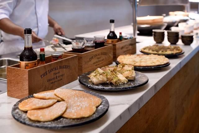 يحتوي فندق هوليدي ان فيستفال دبي على وحدات مُتنوعة لتُسهل على السائح اختيار ما يتناسب مع ذوقه