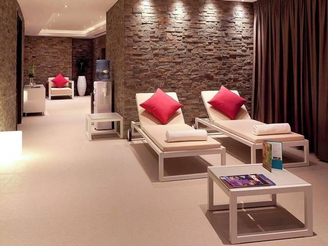 يضم فندق نوفوتيل دبي شارع الشيخ زايد مرافق عناية بالصحة مُتعددة بالإضافة إلى أنشطة ترفيهية