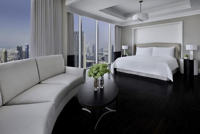 العنوان هو فندق بالقرب من دبي مول يُقدّم العديد من الخدمات والمرافق الترفيهية