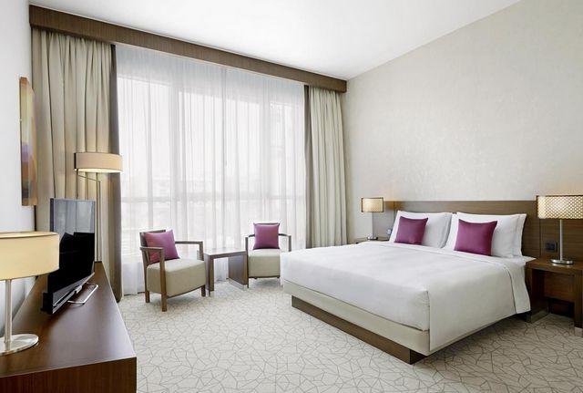 فندق حياة بليس رزيدنس دبي أحد فروع سلسة فندق حياة بليس دبي الراقية التي تضم غرف نظيفة وواسعة