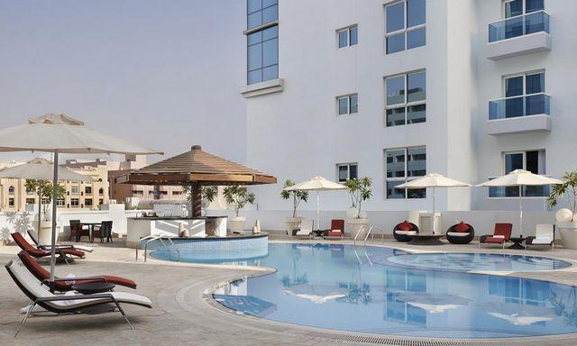 فندق حياة بليس رزيدنس دبي هو واحد من افضل شقق فندقيه في شارع الرقه التي تشتمل مسبح خارجي