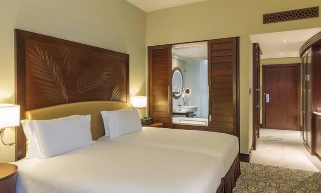 يُعد فندق سوفتيل جي بي ار من فنادق جيبي ار دبي المُميّزة لكونها تضم مسابح مُتنوعة