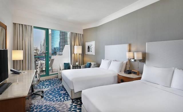 فندق هيلتون دبي جميرا من فنادق جيبي ار دبي التي تضم فريق عمل محترف