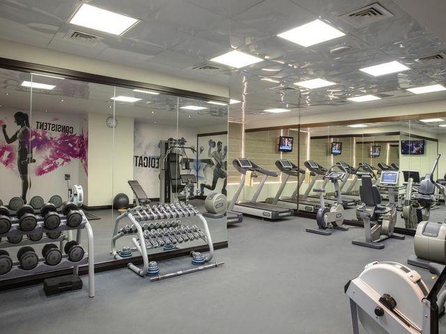 تم تجهيز مركز اللياقة البدنية في روتانا جميرا دبي بأحدث الأجهزة.