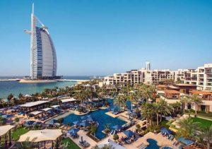 يُعد جميرا النسيم دبي من افضل الفنادق للعائلات لاحتوائه على خدمات عائلية عديدة