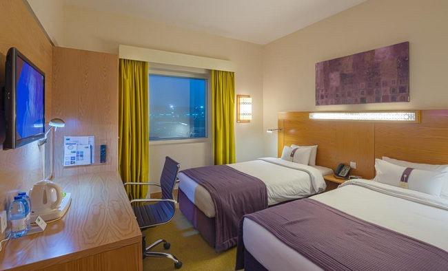 تُوفر فنادق مدينة دبي القريبة من المطار أجهزة حديثة في الغُرف ومرافق شاملة