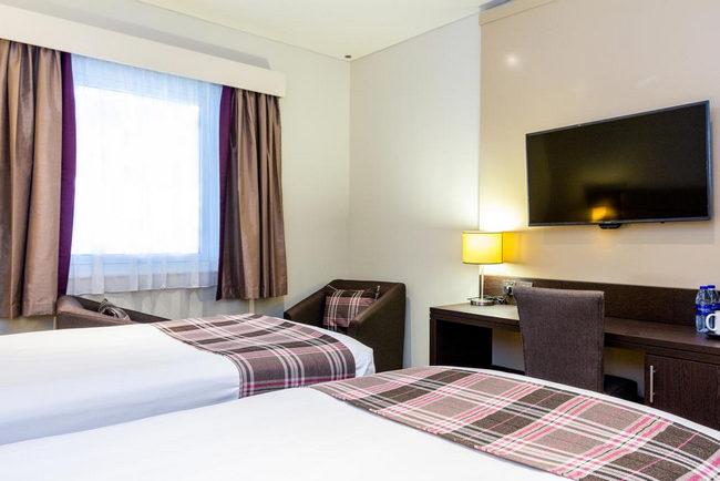 افضل فنادق بر دبي تضم غُرف بها شاشة مُسطحة وأجهزة حديثة وهي مثالية للعوائل