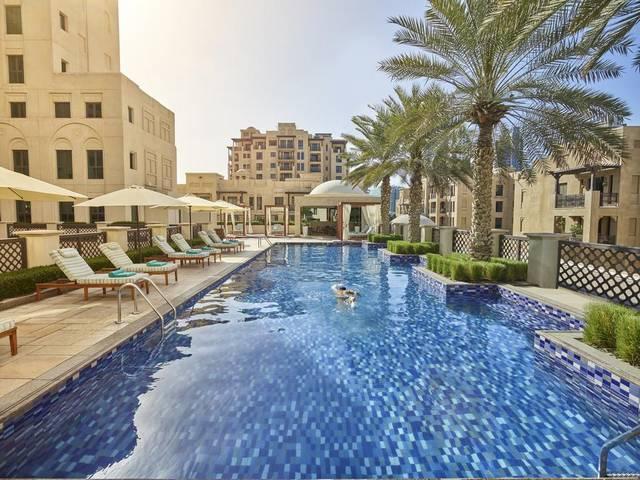 يتميز المنزل دبي فندق بإحتوائه على مطاعم مُنوعة تُقدّم مختلف أنواع المأكولات