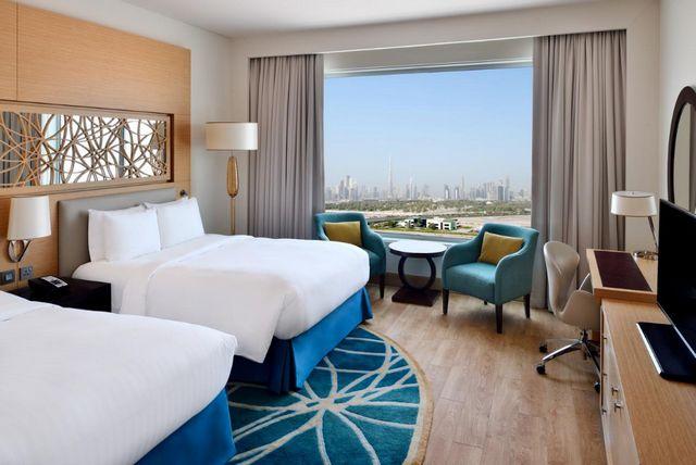 يوفر فندق ماريوت الجداف دبي غرف عائلية أنيقة