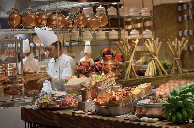 يُقدم ماريوت ماركيز دبي أشهى الأطباق من المأكولات العالمية والمحلية