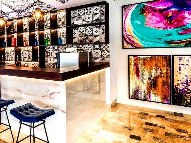 يتمتع فندق ميركيور البرشاء دبي بموقعٍ مميز وقريب من الخدمات