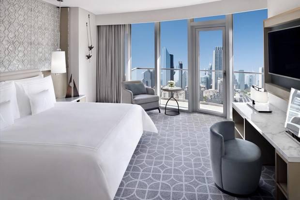 ذا ادرس دبي مول خيار رائع في قائمة اغلى الفنادق في دبي يُوّفر إقامة فاخرة.
