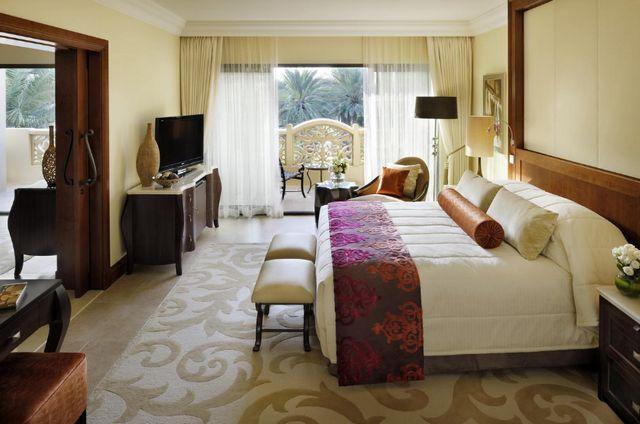 يتضمن فندق ون آند أونلي رويال ميراج مسابح مُتنوّعة ومنطقة شاطئ خاصة.