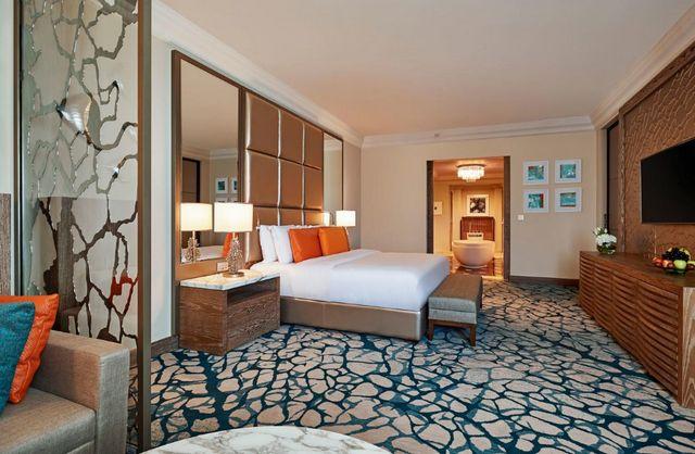 يُعد فندق اتلانتس دبي غرفة تحت الماء افضل فنادق النخلة دبي