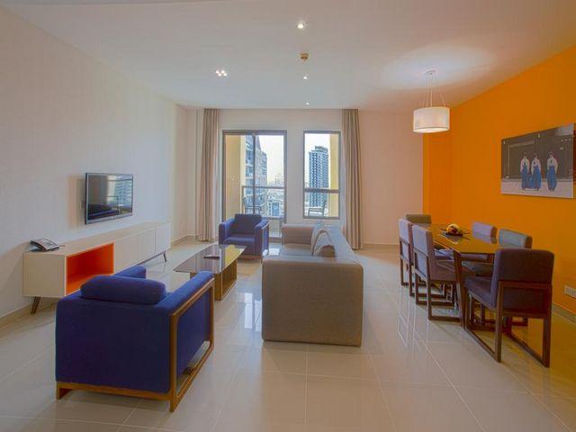 يضم فندق هوثورن جي بي ار شقق فندقية واجنحة مزدوجة وفردية