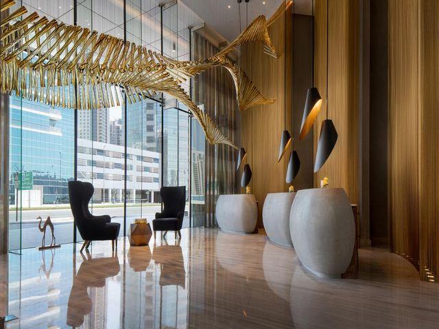 يعتبر فندق رينيسانس داون تاون دبي من أرقى الفنادق وأكثرها جذباً للنزلاء