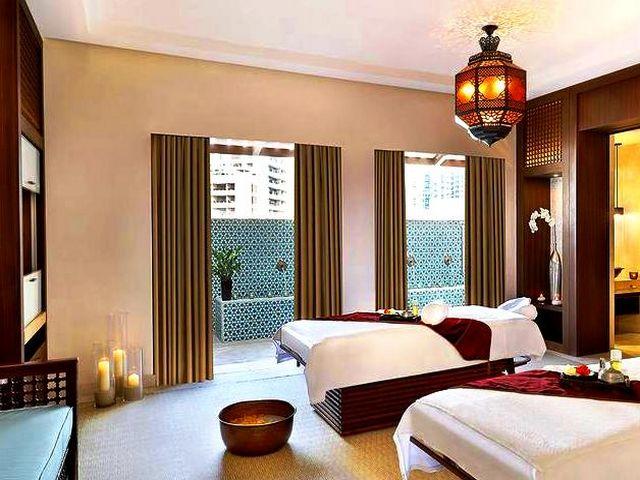 تُعد الإقامة ضمن اشهر الفنادق في دبي تجربة لا تُنسى