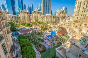 يُعد روضة المروج دبي من افضل الفنادق المُناسبة للعوائل لضمه العديد من الخدمات العائلية والترفيهية