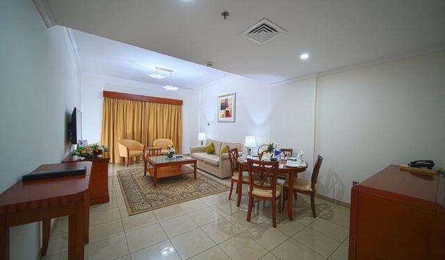فندق روز جاردن بر دبي احد فروع روز جاردن دبي الذي يتميز بشققه المريحة