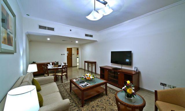 روز جاردن للشقق الفندقية بر دبي هي شقق ذاتية الخدمة مزودة بكافة التجهيزات الأساسية.