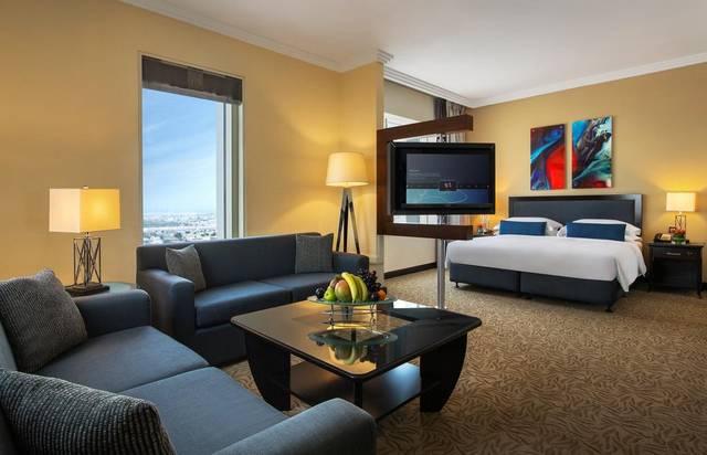 يحتوي ابراج روتانا دبي على غرف واسعة ونظيفة