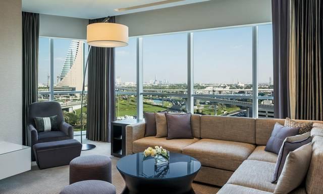 إطلالة رائعة يوفرها فندق شيراتون جراند دبي شارع الشيخ زايد