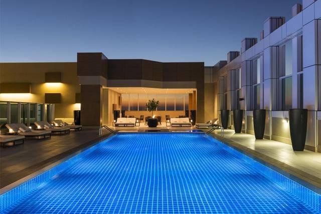 يُمكن لضيوف شيراتون دبي الشيخ زايد قضاء أوقات رائعة في المسبح