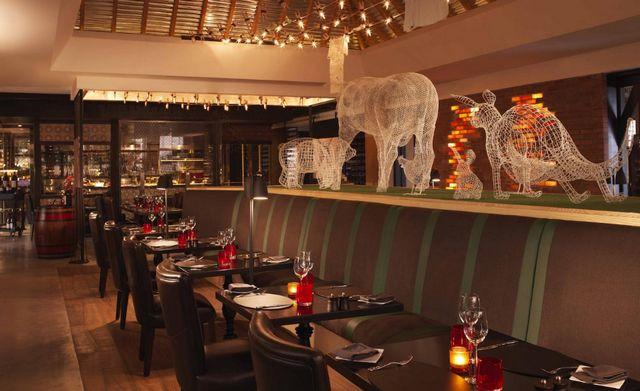 يوفر منتجع نخلة دبي بار للوجبات الخفيفة
