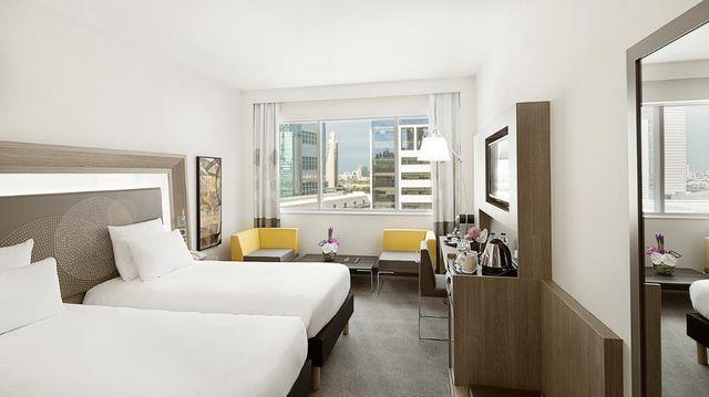 فندق نوفوتيل مركز دبي التجاري العالمي من افضل فنادق للعزاب في دبي