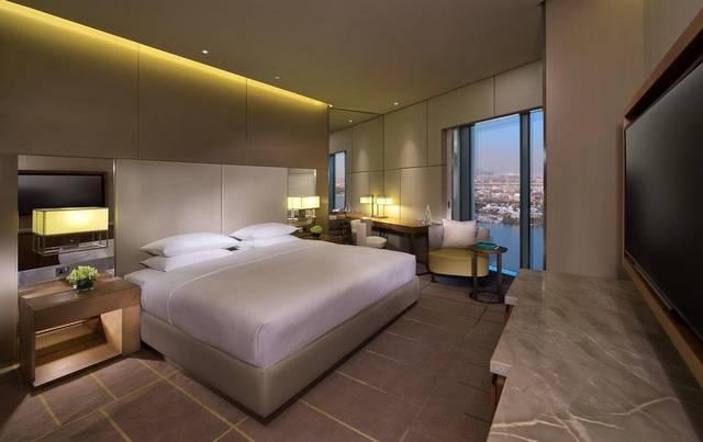 يُعد فندق حياة ريجنسي دبي كريك هايتس افضل فندق للعوائل في دبي لاحتوائه على مُميزات كثيرة منها مسبح للأطفال