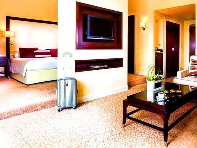 للحصول على أسعارٍ مناسبة عند حجز فندق في دبي يتوجب الابتعاد عن موسم الذروة السياحي