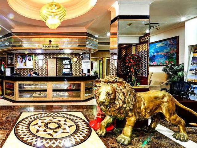 يوفر فندق ويست دبي مساحاتٍ مناسبة للعائلات