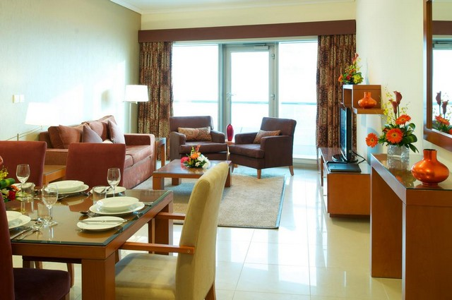 السلام للشقق الفندقية دبي يوفر منطقة للجلوس حتى يشعر النزلاء بالراحة والهدوء