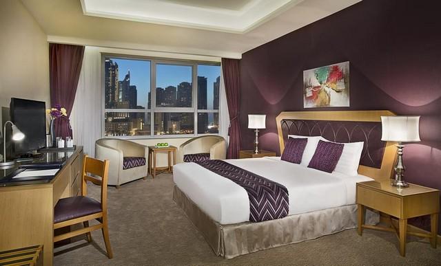 عندما يُذكر اسم فندق ارمادا بلو باي لابد أن تعلم أنه من أفخم فنادق دبي 4 نجوم شارع الشيخ زايد المشهور في جميع أرجاء دبي.