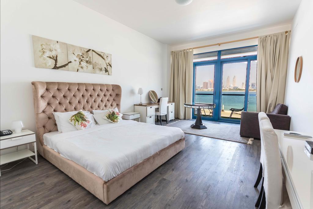 فلل على البحر في دبي مع شاطئ خاص في نخلة جميرا