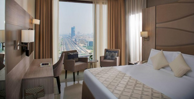 فندق جلوريا دبي من أرقى فنادق دبي 4 نجوم شارع الشيخ زايد حيث يتميّز بخدماته الرائعة.