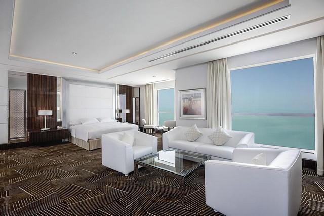 هيلتون دبي ذا ووك من أفخم فنادق قريبه من جي بي ار دبي