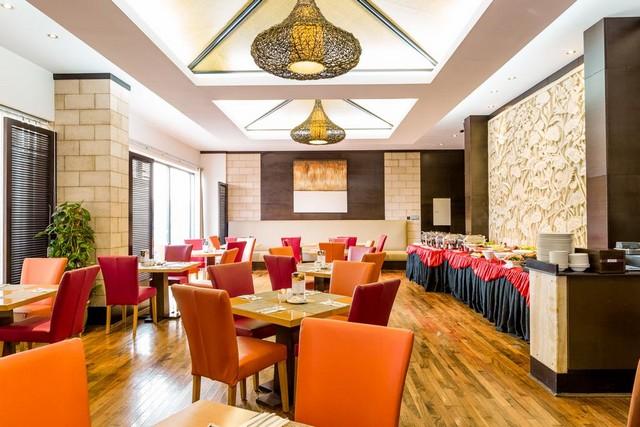 يُقدّم مطعم فندق بارك للشقق الفندقية دبي العديد من المأكولات الشهيّة.