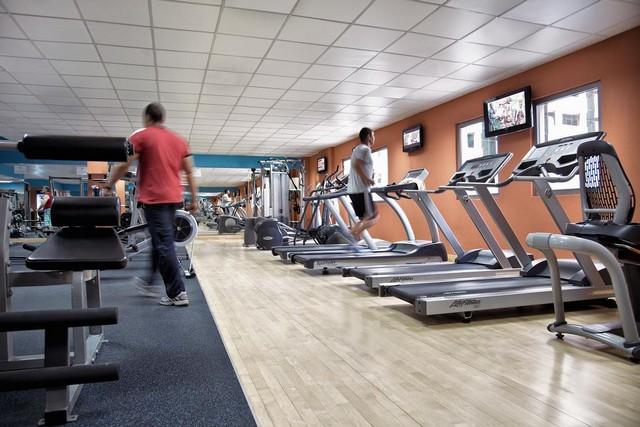 يوفر روتانا ريحان دبي مركز لياقة بدنية رائع يضم العديد من الأجهزة الرياضية