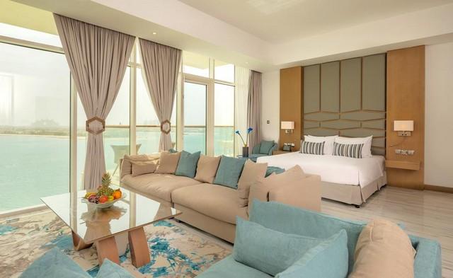 يُمكّنك فندق رويال سنترال النخلة من الإقامة الفاخرة في أحد فنادق دبي خمس نجوم