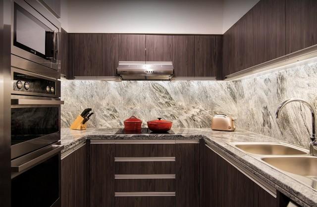 يضم فندق حياة ريجنسي غاليريا ريزيدينس دبي مطبخًا مُتكامل الأجهزة والأدوات