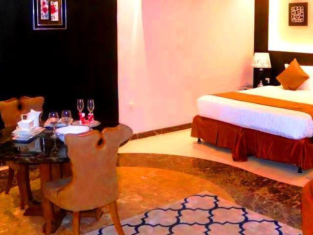 توفر عدة فنادق في ابحر الجنوبية جدة مساحات عائلية مع خدمات ومرافق للأطفال