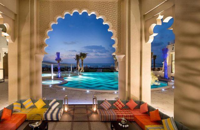 ابرز شاليهات عجمان على البحر وأكثرها فخامة ورقي هو فندق قصر عجمان