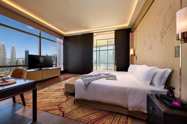 يوفر فندق بانيان تري كوالالمبور غرف عائلية راقية